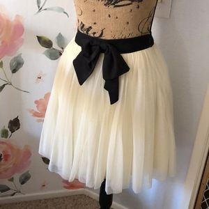 Tulle white ballerina skirt with black bow